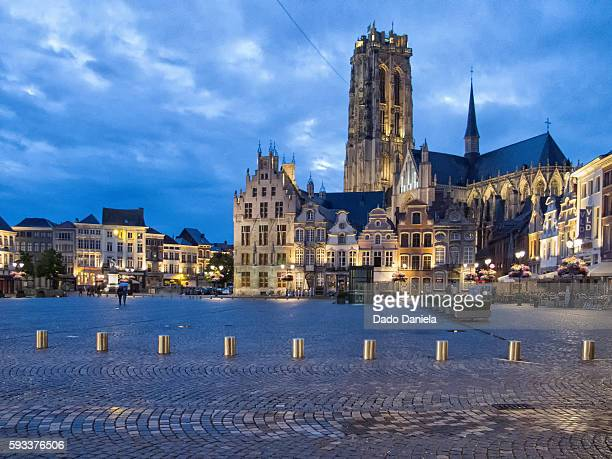 mechelen by night - mechelen stock pictures, royalty-free photos & images