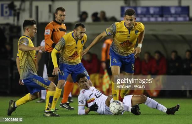 Mechelen's Igor de Camargo and Union's Ismael Kandouss fight for the ball during a soccer game between Royale Union Saint Gilloise and KV Mechelen...