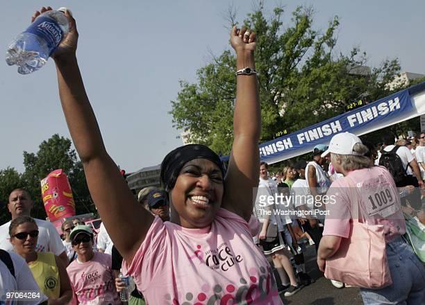 June 2, 2007 CREDIT: Carol Guzy/ The Washington Post Washington DC Annual Race for the Cure. 50,000 participants include breast cancer survivors....