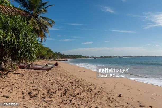 medaketiya beach an idyllic paradise beach, tangalle (tangalla), sri lanka - sri lanka stock pictures, royalty-free photos & images