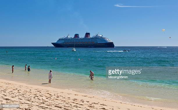 medano beach and cruise ship in los cabos - sea of cortez stock pictures, royalty-free photos & images