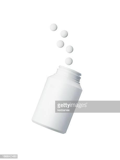 Medecine botella con pastillas Aislado en blanco
