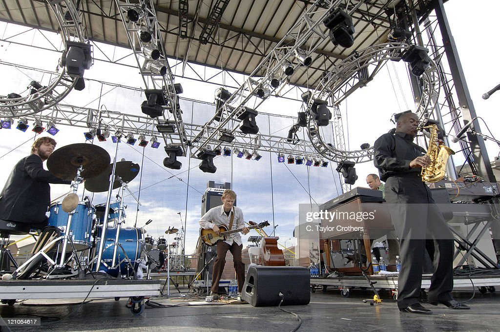 Vegoose Music Festival 2006 - Day 2 - Medeski Martin & Wood with Maceo Parker