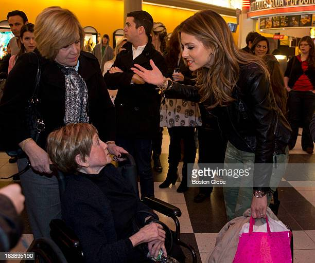 "Medfordbred ""Extra"" host Maria Menounos met with local fans including Jan Saitta and her daughter Laura Bergover at a screening of her movie..."