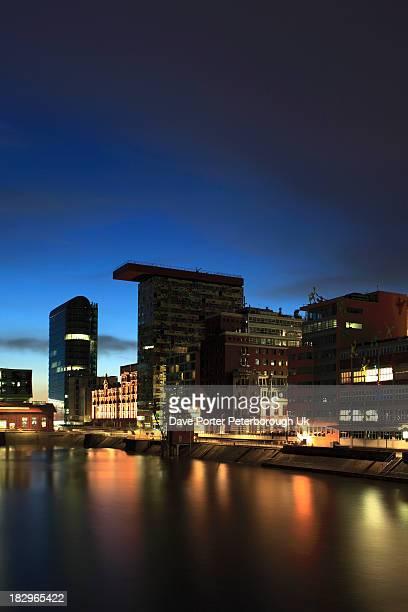 media harbour, düsseldorf city - medienhafen stock-fotos und bilder
