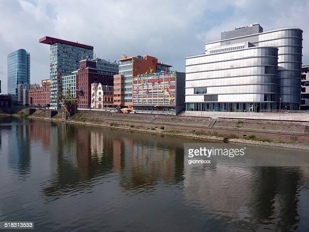 media harbour, düsseldorf - medienhafen stock-fotos und bilder