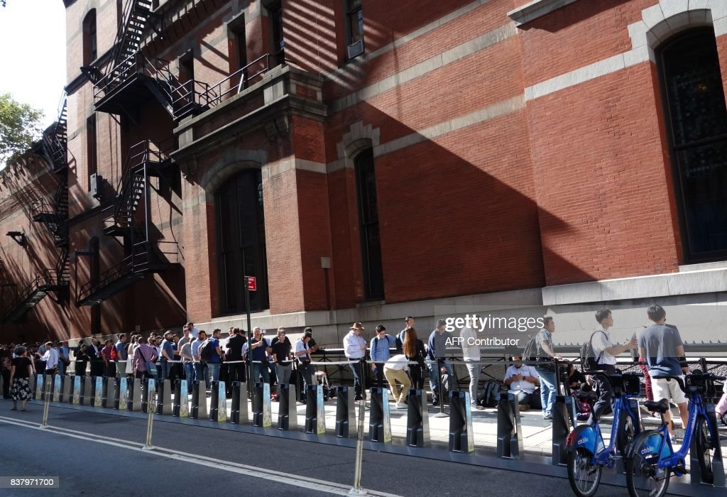 Media lines up for the unveiling of the Samsung Galaxy Note 8 at the Samsung Galaxy Unpacked 2017 event on August 23, 2017 in New York. Samsung unveiled the new generation of its flagship Galaxy Note smartphone, seeking to put behind it an embarrassing recall over exploding batteries and mount a renewed challenge to key market rival Apple and its soon-to-come iPhone 8. EMMERT