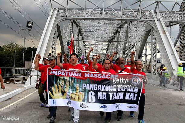 Media practitioners march from National Press Club to Dept of Justice to Mendiola to commemorate the 6th Anniversary of Ampatuan Massacre Nov 23 2009...