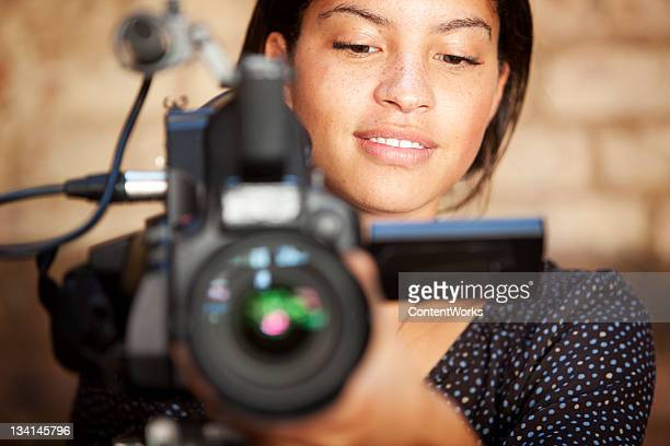 media: tv camera operator - cinematographer stock pictures, royalty-free photos & images