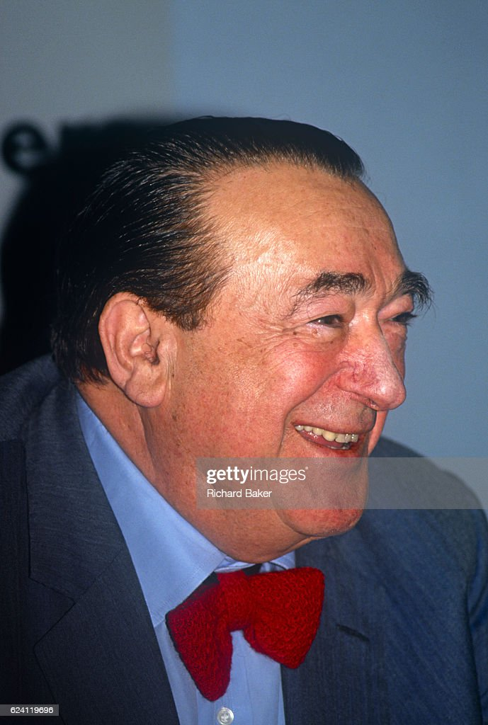Robert Maxwell At Mirror Group Shares Issue : News Photo