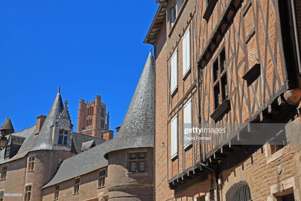 Mediaeval house and part of the Palais de la Berbie in Albi. : Stock Photo