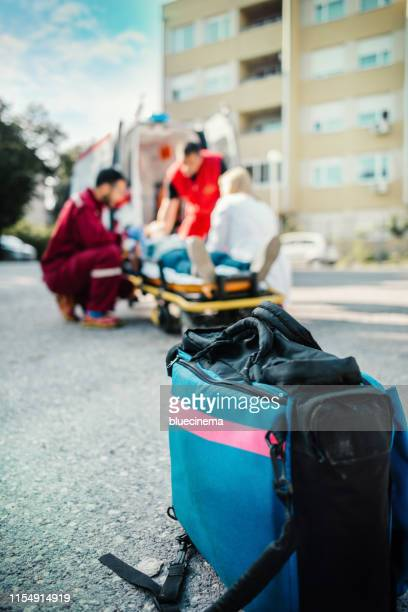medical bag - rescue worker stock pictures, royalty-free photos & images