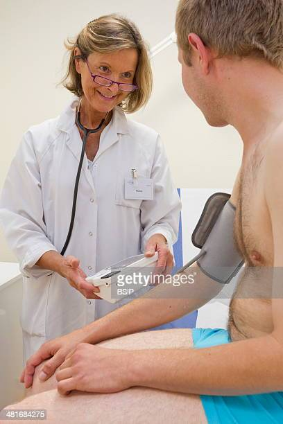 Medical checkup run by IPL in Arras France IPL delocalise these checkups to help fragile sectors of the community who cannot travel to the Institute...