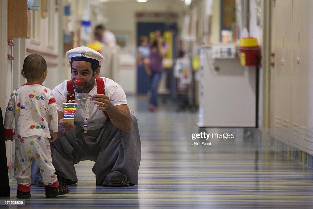 Clown Doctors In Jerusalem : News Photo