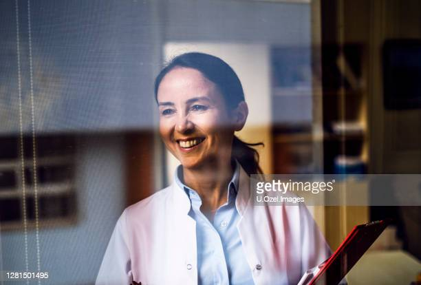 medical doctor portrait - middle east stock pictures, royalty-free photos & images