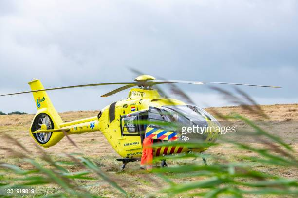 """medical helicopter on the scene of a severe accident on the n50 road near kampen, netherlands - """"sjoerd van der wal"""" or """"sjo"""" stock pictures, royalty-free photos & images"""