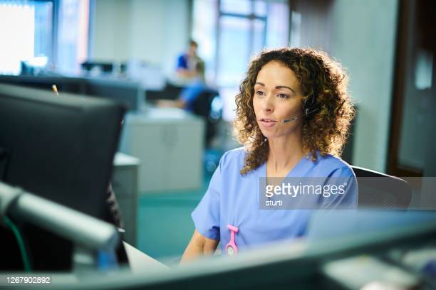 medical hotline - healthcare and medicine stock pictures, royalty-free photos & images