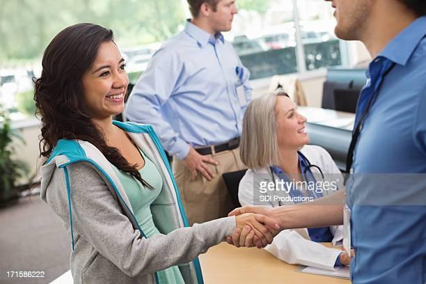 Médico ou de enfermagem aluno iniciar sessão para college turmas