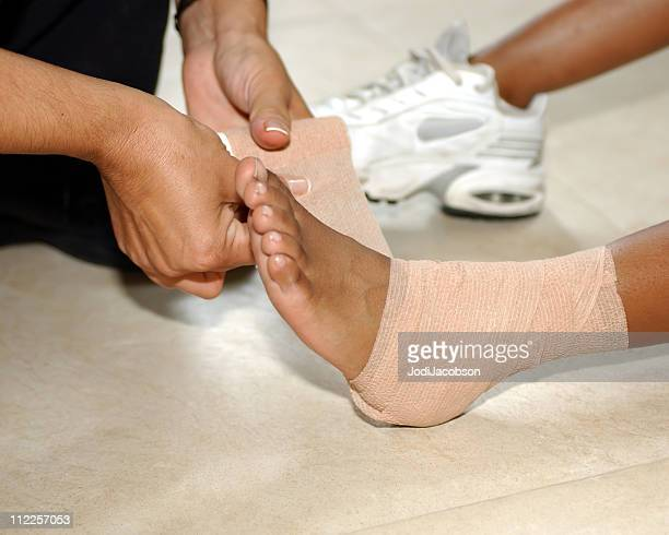 medical: pains and sprains - sprain stock pictures, royalty-free photos & images
