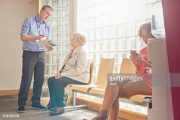 medical records check - doctor's surgery stock pictures, royalty-free photos & images
