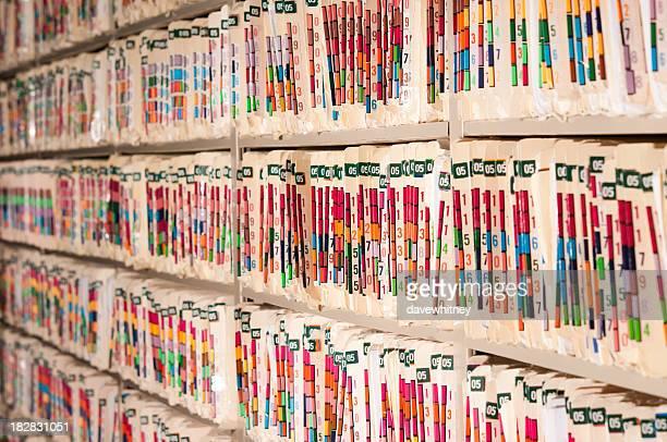 Los registros médicos estantes