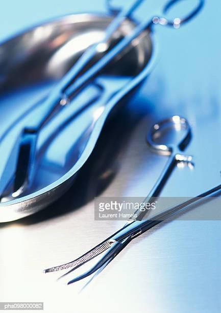 medical retractor, close-up - 鉗子 ストックフォトと画像