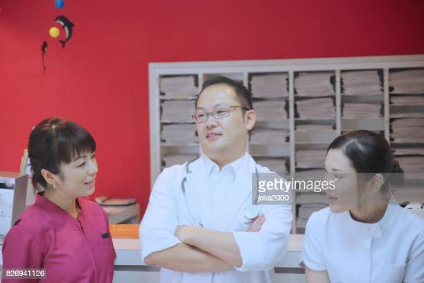 Medical staffs discussing at Hospital