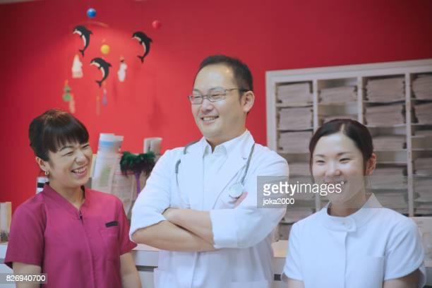 Medical staffs rexinxing at Clinic