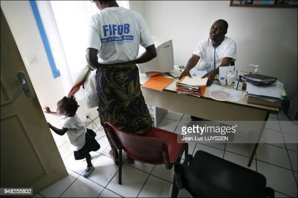 Medical visit of HIV positive patients at the Pointe Noire CTA