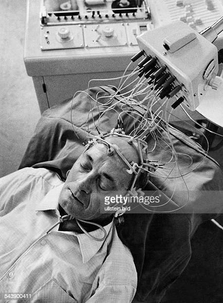 electroencephalography measuring the brainwaves of a man 1968 Photographer Rudolf Dietrich Vintage property of ullstein bild