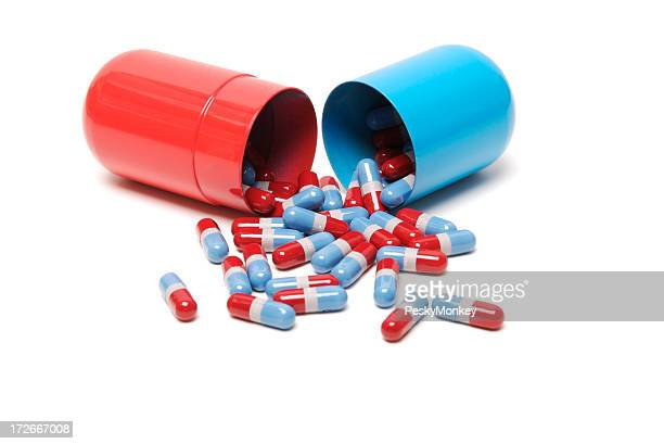 Médecine pilules capsules colorées éclaboussures de grand fond blanc
