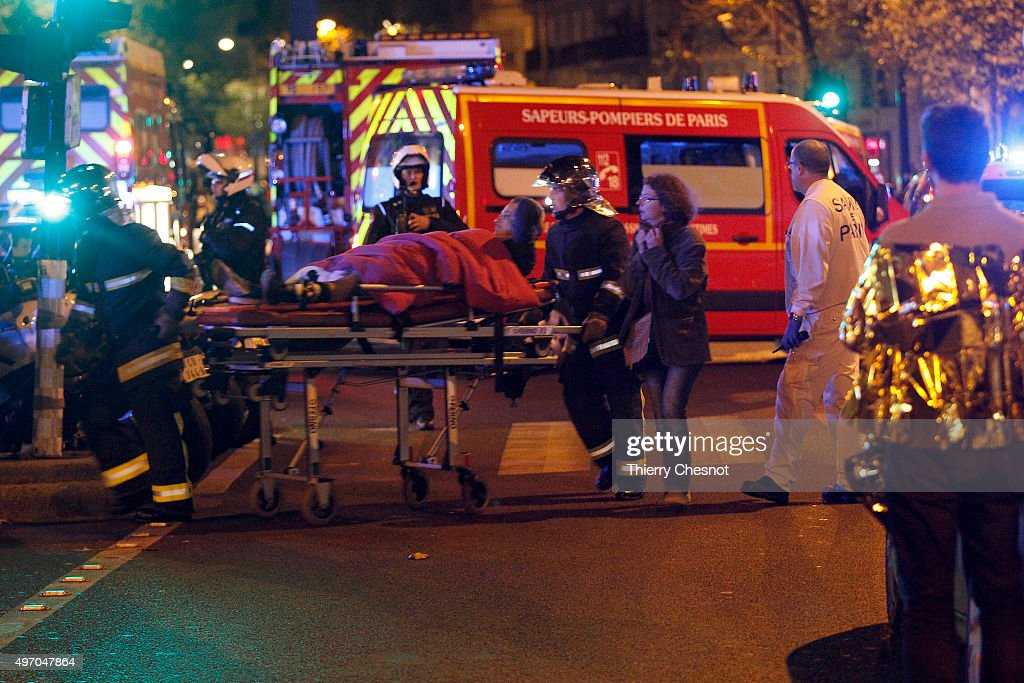 Many Dead After Multiple Shootings In Paris : ニュース写真