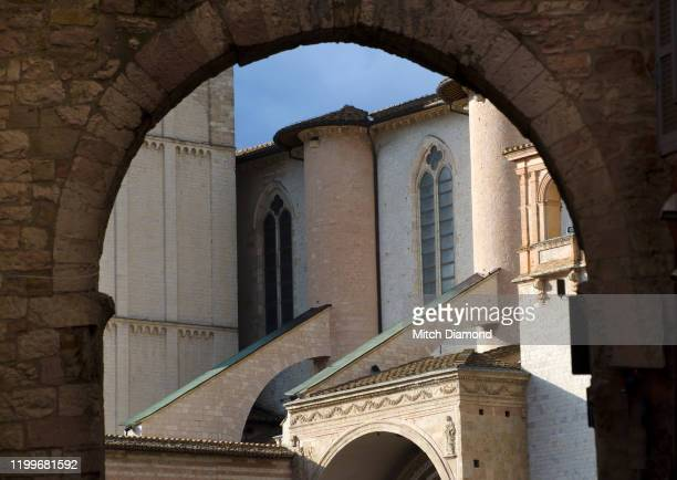 medieval assisi architecture - assis ストックフォトと画像