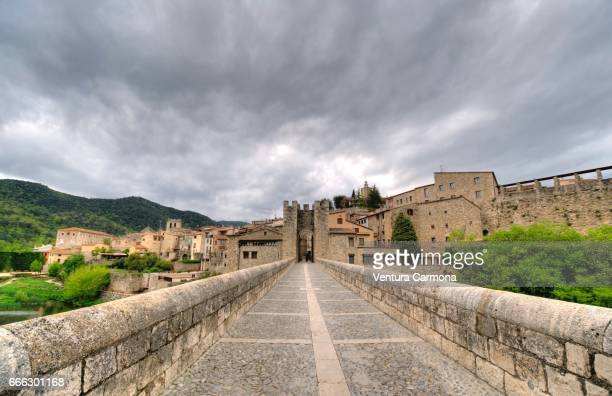 medieval besalú - catalonia, spain - beschaulichkeit stock pictures, royalty-free photos & images