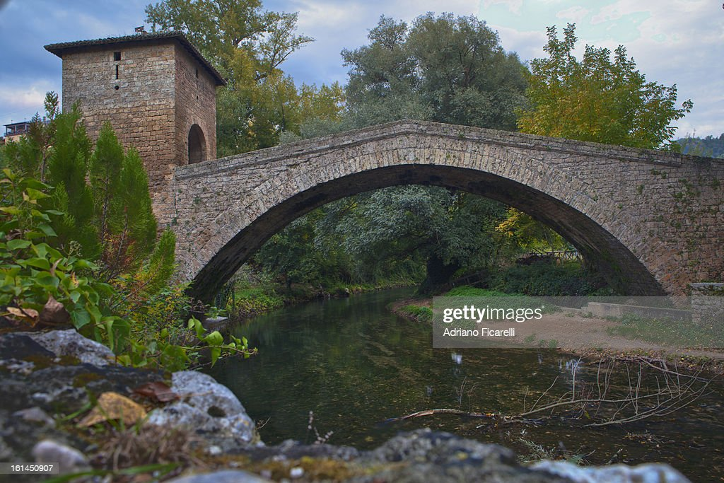 Medieval bridge in Subiaco : Foto stock
