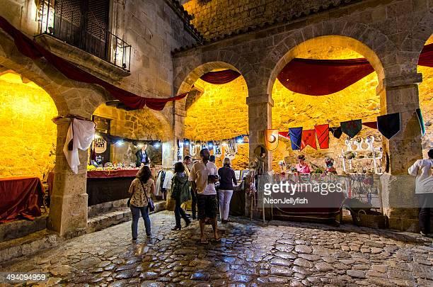 medieval festival - medieval fotografías e imágenes de stock