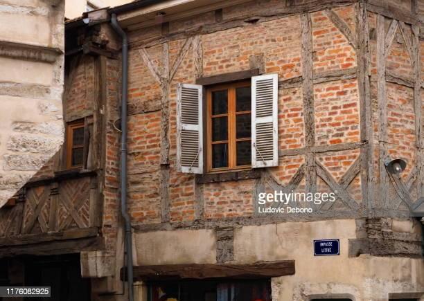 medeltida korsvirkeshus i frankrike - ain bildbanksfoton och bilder
