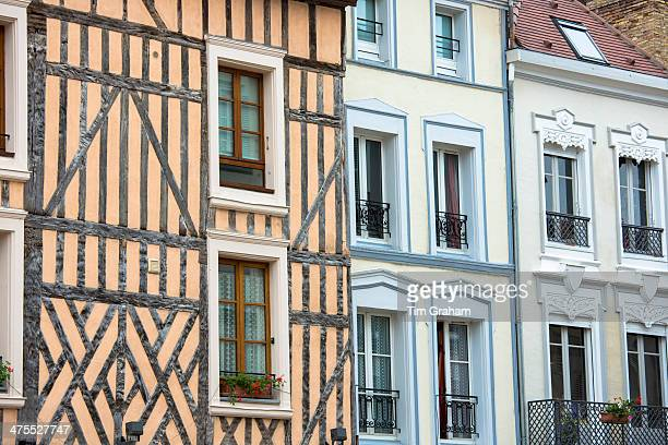 medieval timber architecture at troyes, france - troyes champagne ardenne photos et images de collection