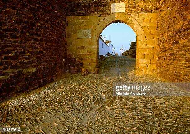 medieval town gate in monsaraz - lancet arch stock pictures, royalty-free photos & images