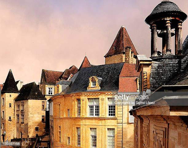 medieval village in sarlat - sarlat stock photos and pictures