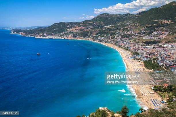 mediterranean coast, kleopatra beach, alanya, antalya, turkey - turquía fotografías e imágenes de stock