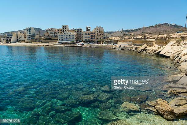 mediterranean sea coast line near marsalforn bay - insel gozo malta stock-fotos und bilder