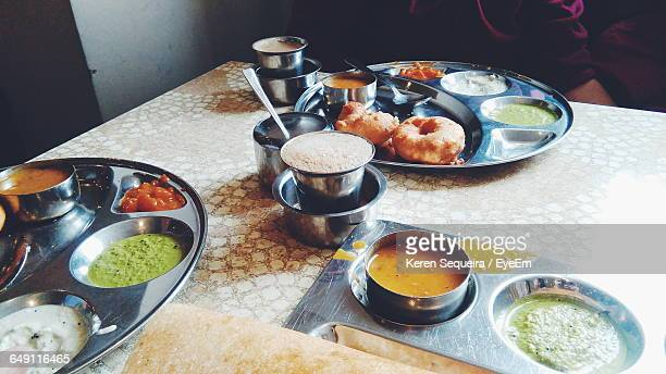 Medu Vada With Chutney In Plate On Table