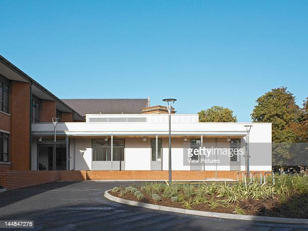 Medway Maritime Hospital Macmillian Cancer Care Unit Windmill Road Gillingham Kent United Kingdom Architect Greenhill Jenner Main Entrance General...