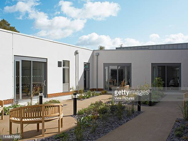 Medway Maritime Hospital Macmillian Cancer Care Unit Windmill Road Gillingham Kent United Kingdom Architect Greenhill Jenner Courtyard Garden At The...