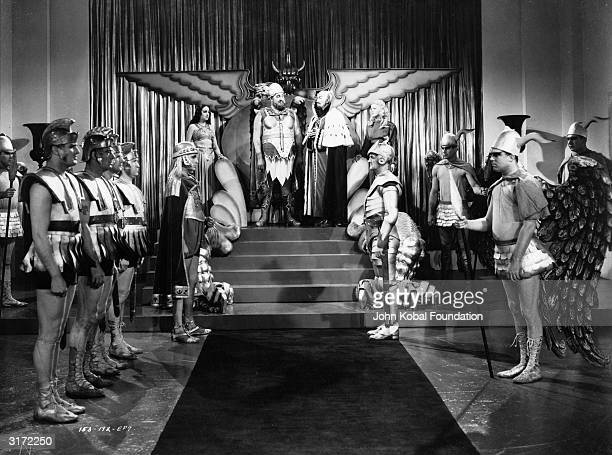 A meeting between King Vultan and Ming the Merciless played by Jack 'Tiny' Lipson and Charles Middleton in episode seven of the scifi classic 'Flash...