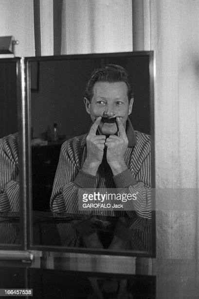 Meeting Danny Kaye France Paris 14 novembre 1957 le chanteur et acteur américain Danny KAYE est venu vivre dans la capitale française le temps d'un...