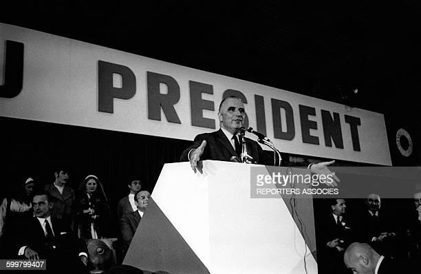 Meeting de Georges Pompidou pour les élections présidentielles, circa 1960, à Bordeaux, France .