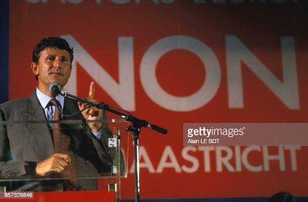 Meeting de Philippe de Villiers pour le NON au referendum sur le traite de Maastricht le 26 aout 1992 au Pin en Mauges France