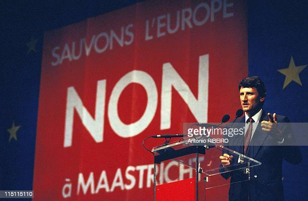 Meeting for 'NO at Maastricht' referendum with Philippe de Villiers in La Defense France on September 02 1992